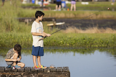 kids at family fishing day